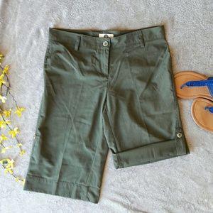 Weatherproof Pants - Weatherproof green bermuda shorts, hiking fishing