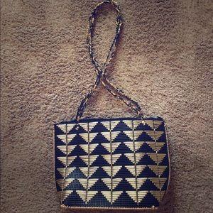 Vintage Handbags - Gold and black straw purse