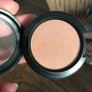 MAC Pro Longwear eyeshadow in One To Watch