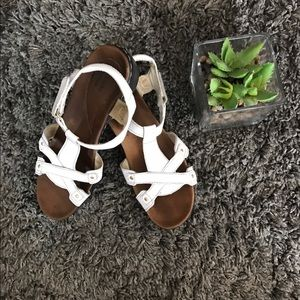 Clarks Shoes - Comfy white strappy Clarks- size 8.5
