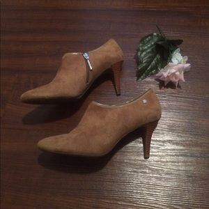 Calvin Klein Suede Leather ankle heels Size 10M