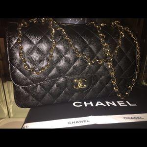 Classic Chanel. Jumbo