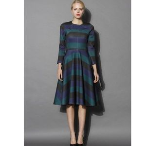 Chicwish Dresses & Skirts - Chicwish long sleeve open back striped dress
