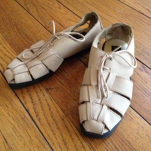 Vintage woven sandals