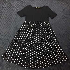 Kimi and Kai Dresses & Skirts - NEW Kimi and Kai Emmy Polka Dot Maternity Dress
