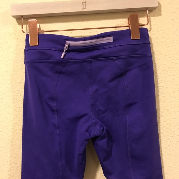 lululemon athletica Pants - Lululemon purple crop Capri work out leggings