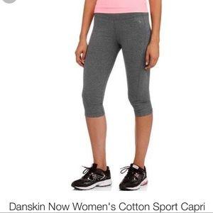 Danskin Now Pants - 💥SALE💥Danskin Now Women's Sport Capri Fitted