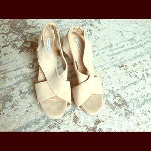 Diane von Furstenberg Shoes - HOLIDAY SALE!!💕Diane Von Furstenberg nude sandals