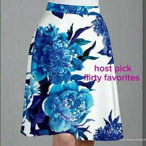 Dresses & Skirts - 2 LEFT 🔴 PLUS  Blue Floral A Line Skirt
