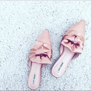 cape robbin Shoes - 5 ⭐️ Pink Satin Mule Flats 🎀