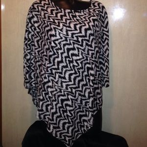 CHICO'S  TOP Poncho style no SIZE tag