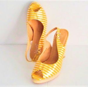Novela Yellow Silver Stripes Shoes size 6