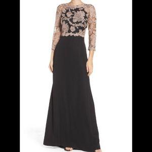 Tadashi Shoji Dresses & Skirts - Tadashi Shoji Embroidered Lace Gown size 8