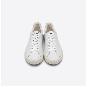 Veja Shoes - Good condition veja esplar white leather sneakers