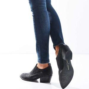 Dolce Vita Shoes - Dolce Vita Black Samson Nunuck Western Booties