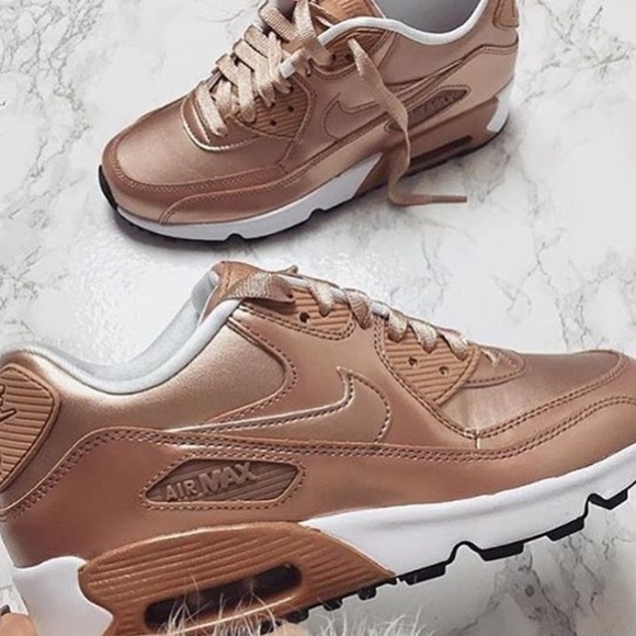 OFFER ME Women's Nike Air Max 90 Bronze NWT