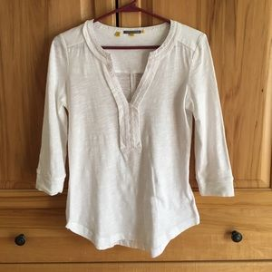 Anthropologie nwot little yellow button white top