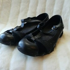 Sketchers strappy black leather Mary Jane flats. 8