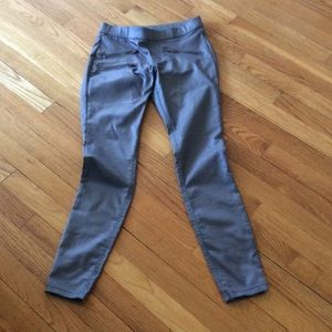 HUE Pants - HUE Jeggings in Pewter Gray-waxed finish stretch.