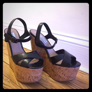 Steve Madden platform sandals - great condition!