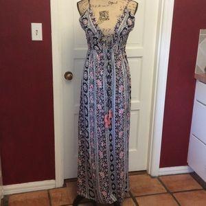 Angie Dresses & Skirts - 🎉HOST🎉PICK🎉Pretty maxi dress