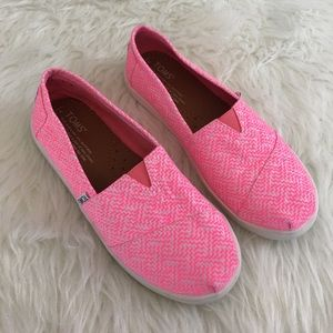 TOMS Shoes - TOMS Avalon Neon Pink Aztec Slip On Loafer Flats
