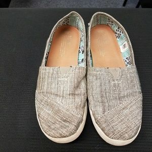 Shoes - TOMS shoes