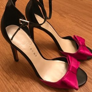 Ivanka Trump Black pumps with hot pink bow