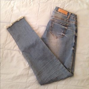 One Teaspoon Denim - NWOT frayed ankle skinny jeans