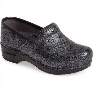 5ee332fad363 Dansko Shoes - Dansko 41 Women s Wide Pro XP Medallion Patent