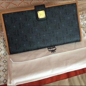 MCM Handbags - Auth MCM wallet