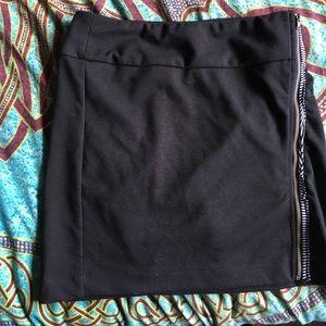 Mimi chica Black zip up skirt