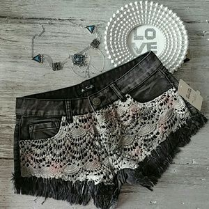 Pants - Sassy black denim shorts