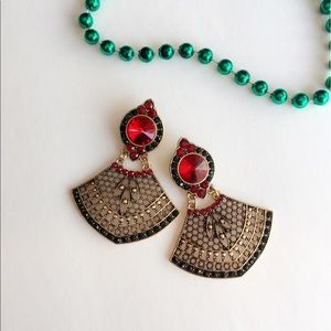 Jewelry - 25% off 💍 A49 Antique look statement earrings