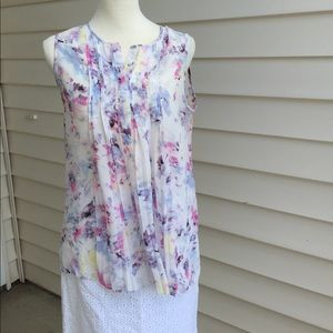Violet & Claire Tops - NWT Violet & Claire floral tank sleeveless top M