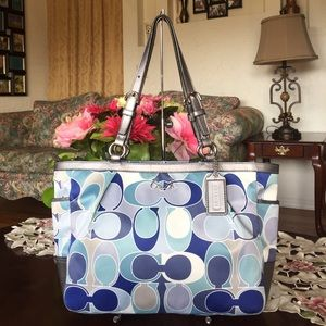 Coach Handbags - Coach Signature Gallery Outline Scarf Print Tote