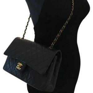 CHANEL Handbags - Auth CHANEL Classic Medium Lambskin Double Flap