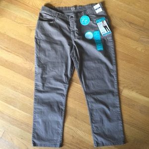 "Lee Denim - NWT🚨RIDERS by LEE Brown ""Instant Slims You"" Jeans"