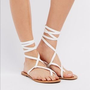 Laced up toe sandals