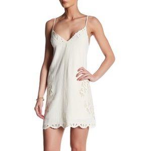 ASTR Dresses & Skirts - ASTR Marlena Cream Dress Size Medium