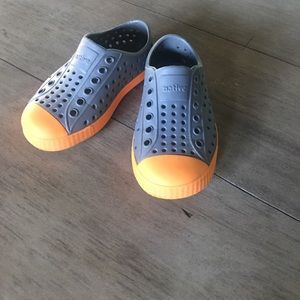 NATIVE YOUTH Other - Native toddler shoes size 7 Jefferson