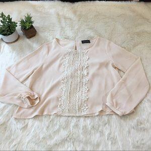 ASTR Tops - ASTR pale pink peasant blouse