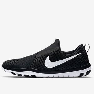 Nike Shoes - Nike Free Connect