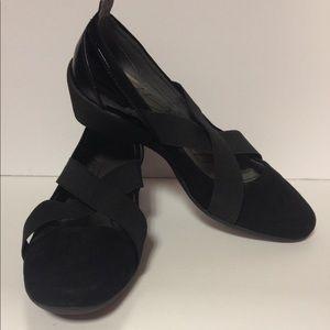 DKNY black wedges size 7 1/2