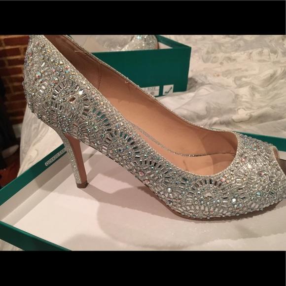 0ddb4ea3c50 lauren lorraine Shoes - Lauren Lorraine Paula 2 silver pumps