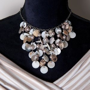 Cookie Lee Jewelry - Beautiful Cookie Lee Shell Statement Necklace