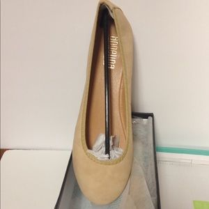 Angelina Shoes - Angelina nude flat shoes sued size 10