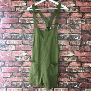 6a286899d4 Urban Outfitters Other - BDG Nicki Overall Romper