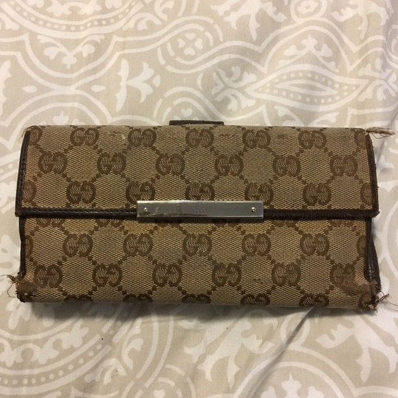 e4ff32be263310 Gucci Handbags - 🔸GG Gucci Continental Wallet🔸