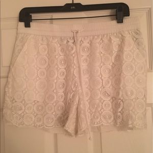 bebe Pants - Bebe lace shorts